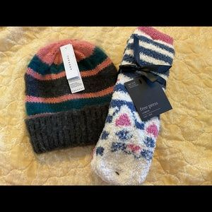 Top shop + Free press socks and hat set NWT S7